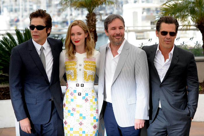 emily-blunt-cannes-19may15-02 (700x465, 365Kb)