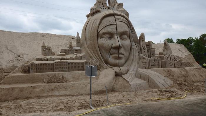 фестиваль песчаных скульптур (700x396, 256Kb)