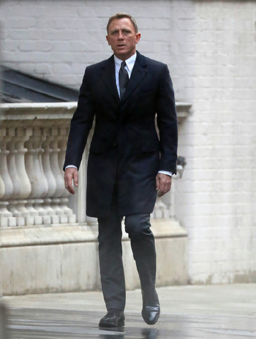 daniel-craig-bond-26may15-06 (529x700, 272Kb)