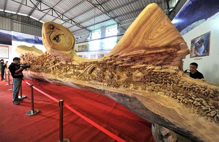 деревянная скульптура 1 (700x453, 360Kb)