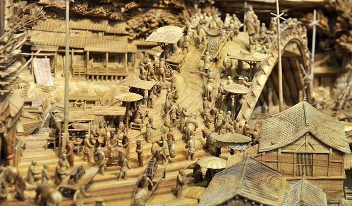 деревянная скульптура 3 (700x411, 356Kb)