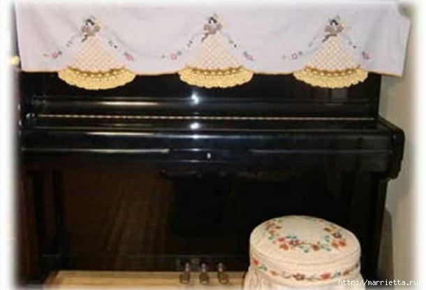 Накидки с вышивкой для пианино (4) (610x415, 102Kb)