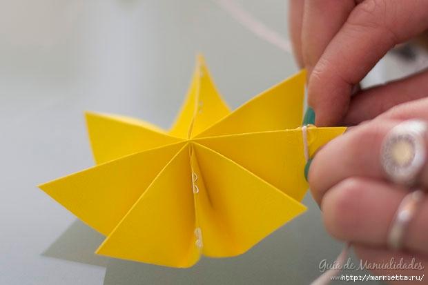 Цветная гирлянда из бумажных звезд (15) (620x413, 85Kb)