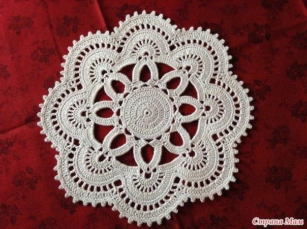 Вязание: ажурная салфетка от Lete Suerte
