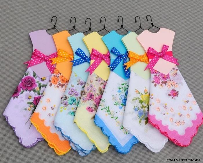 Винтажные открытки с дамами в юбках из носовых платков (7) (700x560, 322Kb)