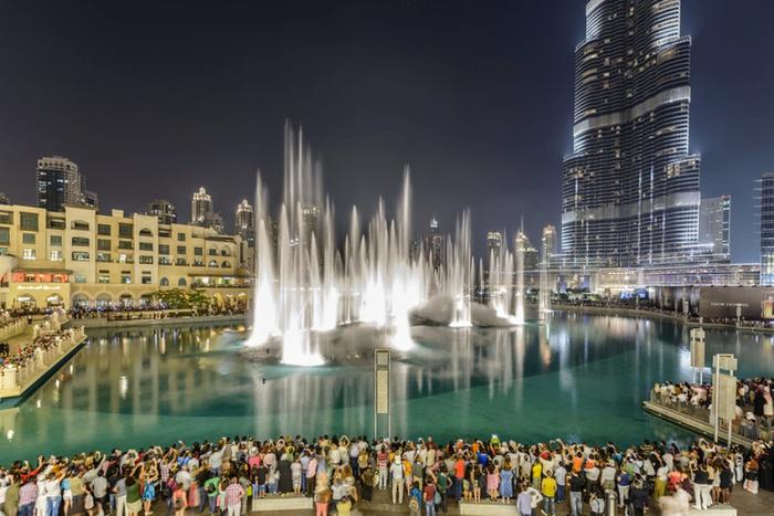 самый большой фонтан в мире дубай 2 (700x467, 334Kb)