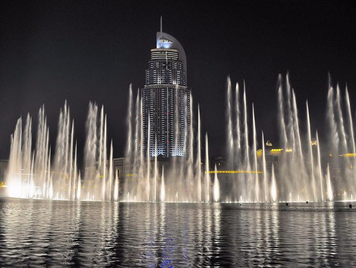 самый большой фонтан в мире дубай 4 (700x526, 362Kb)