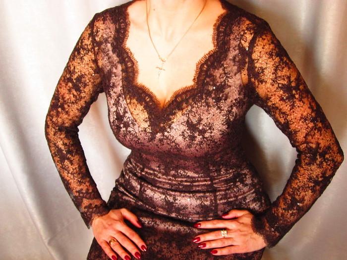Горловину платья кружевом