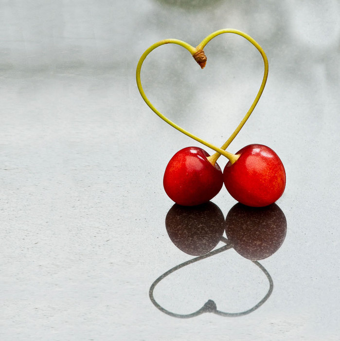 Love-cherries (699x700, 78Kb)