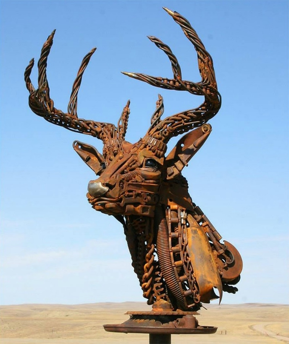 welded-scrap-metal-sculptures-john-lopez-1 (588x700, 221Kb)