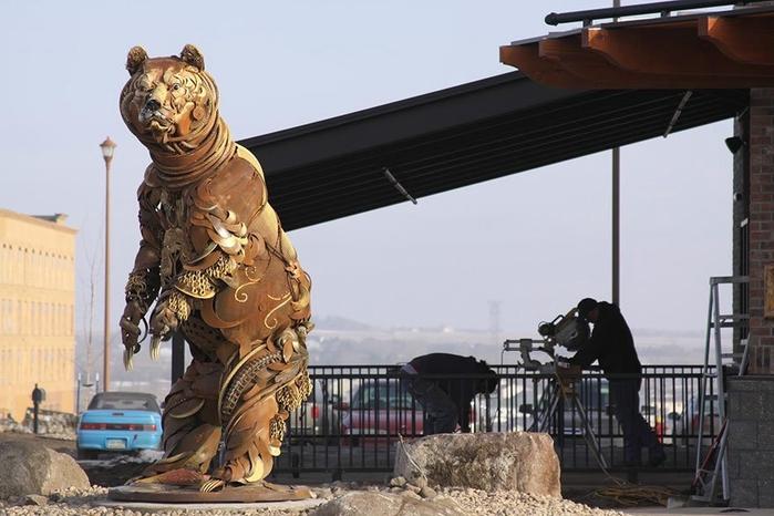 welded-scrap-metal-sculptures-john-lopez-10 (700x466, 208Kb)