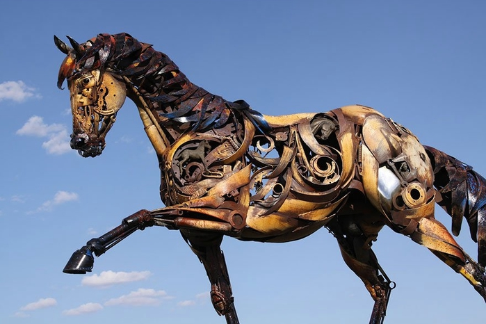 welded-scrap-metal-sculptures-john-lopez-14 (700x466, 192Kb)