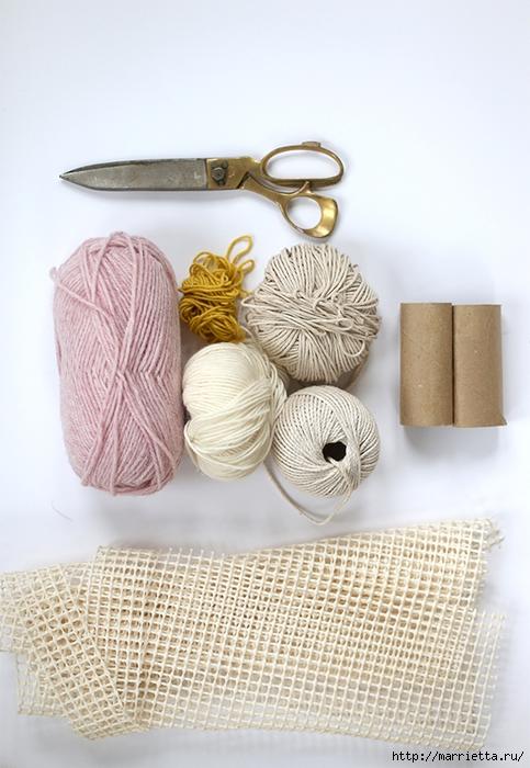 Детский пушистый мягкий коврик из ПОМПОНОВ (4) (483x700, 265Kb)