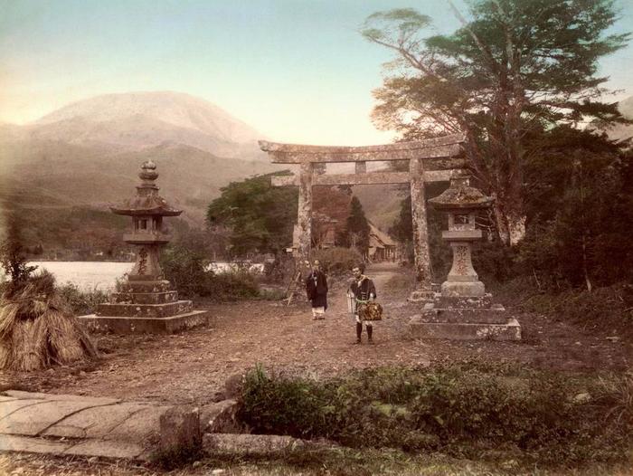 Священные ворота Тори (700x526, 399Kb)