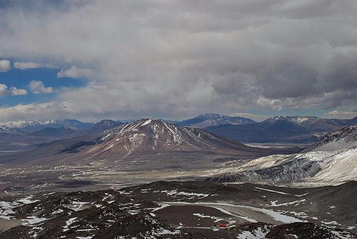 вулкан Охос-дель-Саладо 2 (700x469, 276Kb)