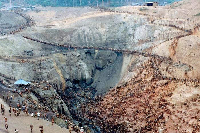 Gold Rush na foto Serra Pelada 4 (700x466, 446kb)