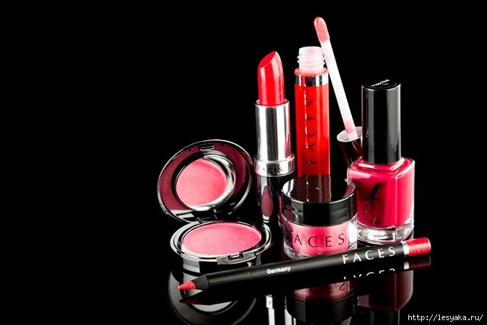 3925073_Cosmetics0 (700x467, 104Kb)