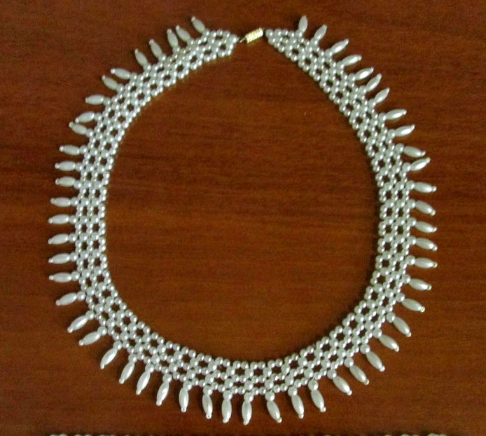 free-beading-tutorial-pearl-necklace-beadsmagic-1 (694x622, 175Kb)