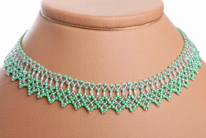 free-tutorial-beaded-necklace-pattern-1 (700x467, 256Kb)