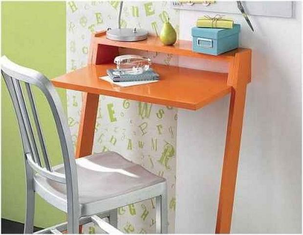 Компьютерный стола в интерьере маленькой квартиры (фото).