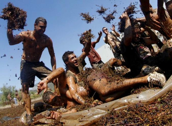 Виноградная фиеста на испанском острове Майорка, село Биниссалем (Binissalem), 17 сентября 2011 года./2270477_18 (675x498, 407Kb)