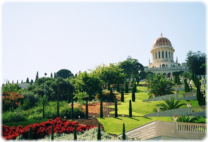 Bahai_Shrine_and_Gardens,_Haifa,_Israel (686x468, 499Kb)