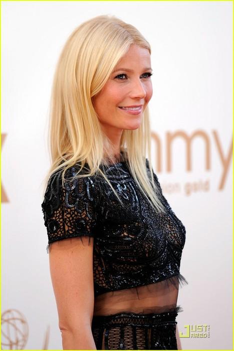 gwyneth-paltrow-emmy-awards-2011-08 (467x700, 71Kb)