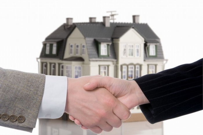 юридическое сопровождение недвижимость/3185107_uristi_2 (700x466, 70Kb)