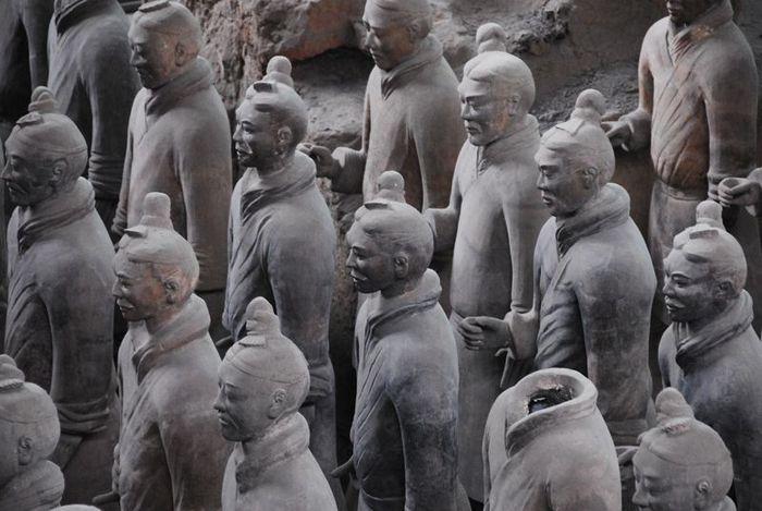 Терракотовая армия первого императора Китая в Сиане 13521