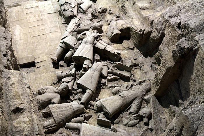 Терракотовая армия первого императора Китая в Сиане 25492