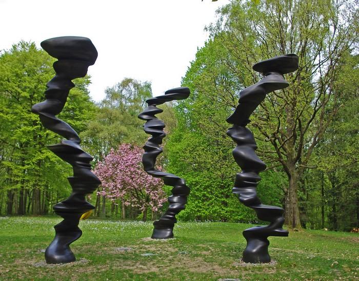 Тони Крэг, Tony Cragg - автор скульптур из урбанистических материалов