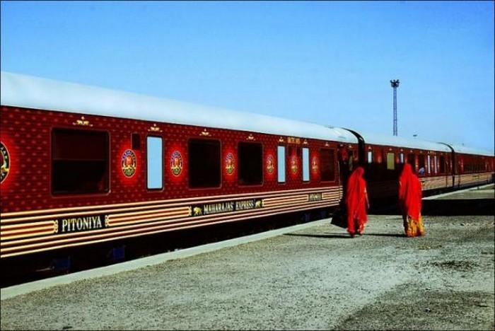 Экскурсионный индийский поезд Индийский Махараджа