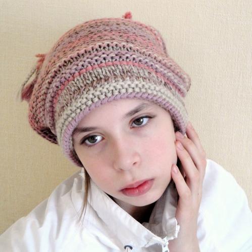 Но, поверьте, она станет настоящим украшением Вашего гардероба.  Для изготовления этой вязаной шапки Вам.