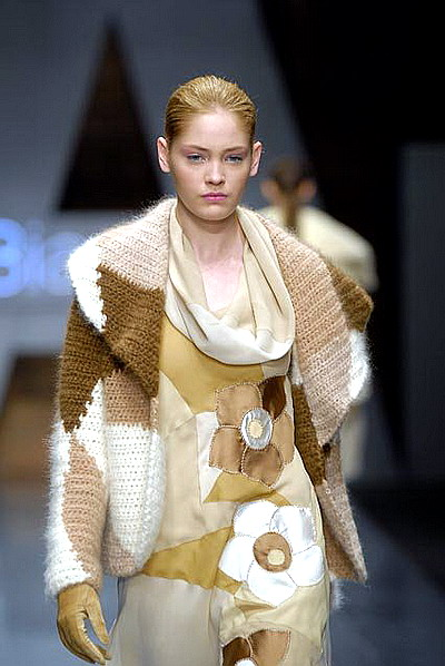 вязаный пуловер от лауры