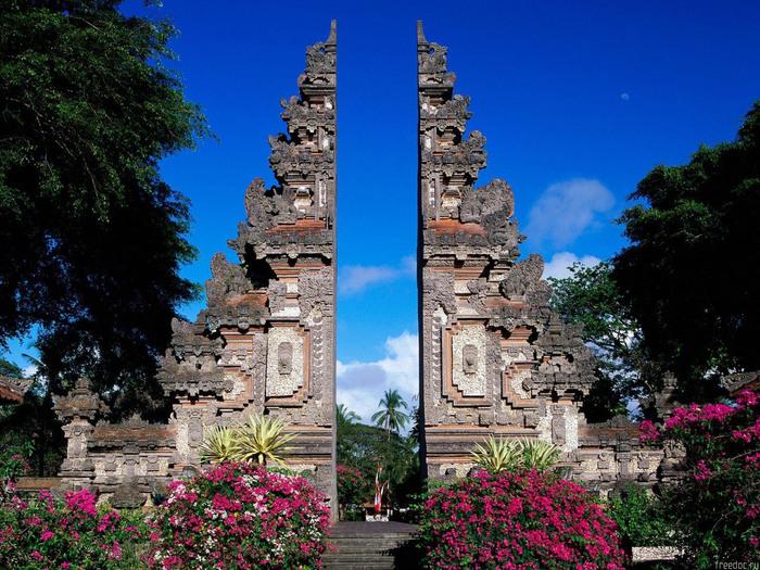 1317840123_0807_indonezia_bali_2 (700x525, 198Kb)