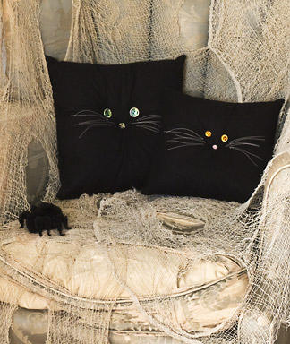 Halloween-Crafts-Black-Cat-Pillows_full_article_vertical (324x384, 34Kb)