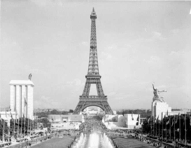 3788693_La_Tour_Eiffel_en_1937_contrast (662x512, 218Kb)