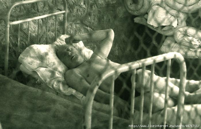Жаров спит-2 (700x451, 198Kb)
