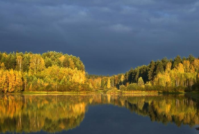 Фото жизнь - _Dmitri_ - корневой каталог - Осеннее зазеркалье (700x470, 625Kb)