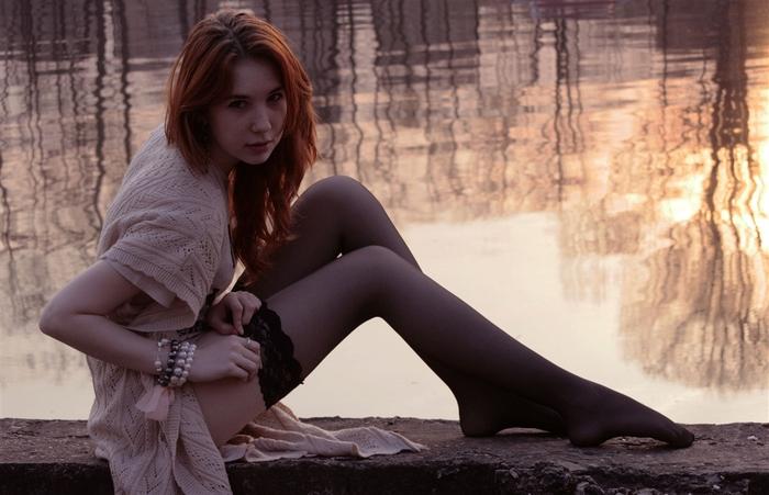 девушка ноги автор Анастасия Ряснянская (700x451, 159Kb)