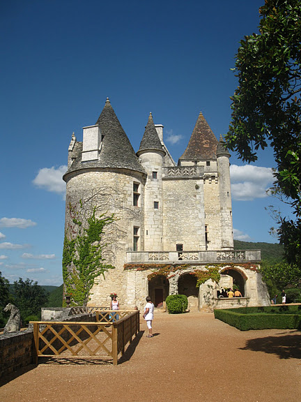 замок в Миланде (Chateau des Milandes). 98642