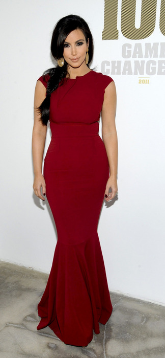 Ким кардашьян красное платья