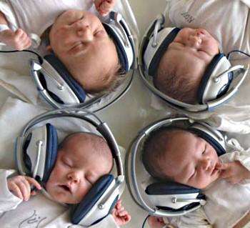 1319135902_babymusic (350x319, 37Kb)