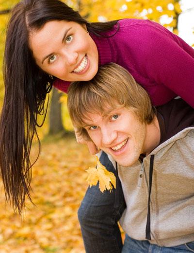 сайт знакомств для серьезных отношений/1319185133_youngcouple (400x520, 53Kb)