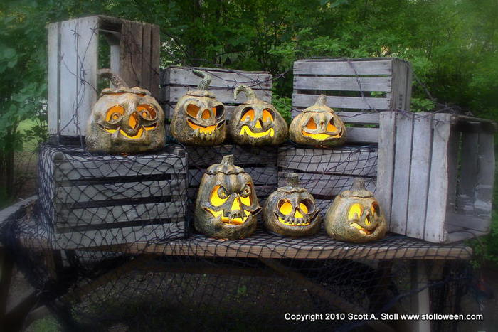 3576489_STOLLOWEENPUMPKINVERSION2GALLERY23 (700x467, 66Kb)