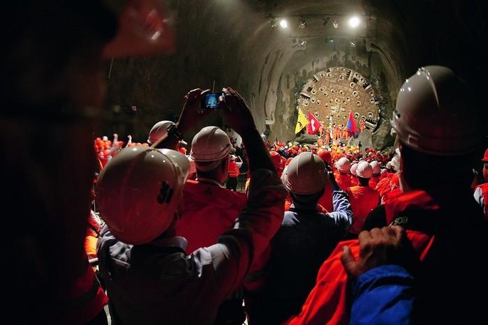 тоннель через альпы 1 (700x466, 70Kb)