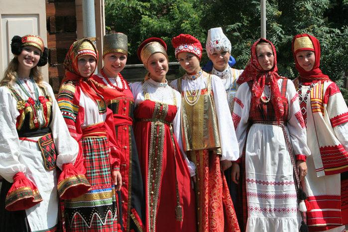 русские народные костюмы (700x466, 131Kb)
