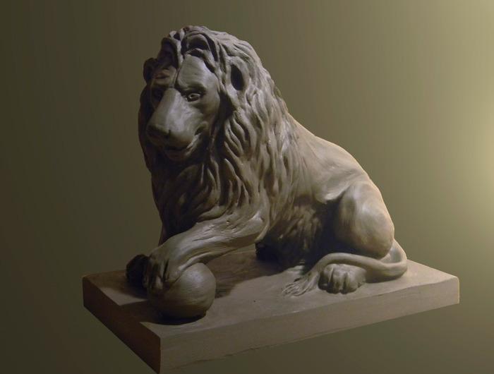 Лев из глины