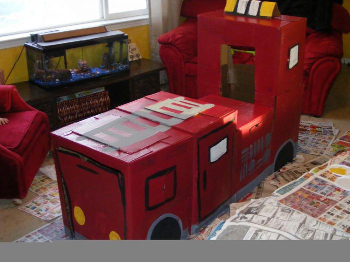 Как сделать машину из коробки для кукол