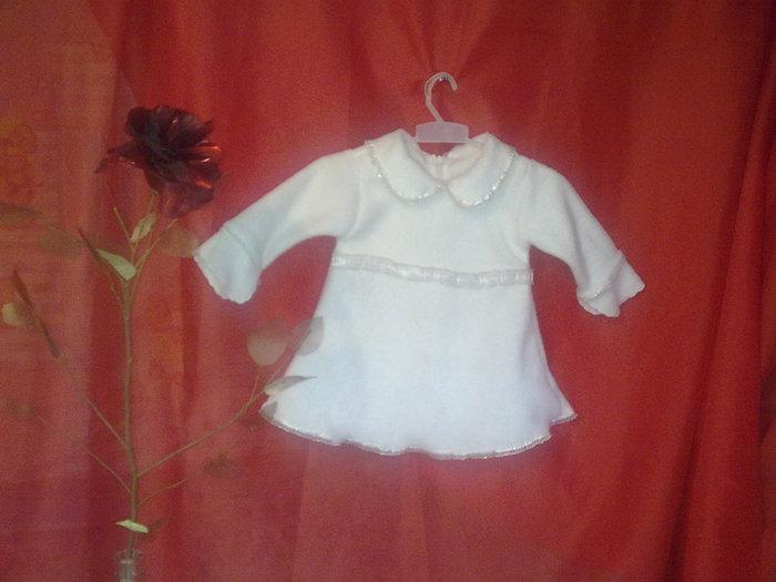 Вязаные платья и бочки для девочки до года.